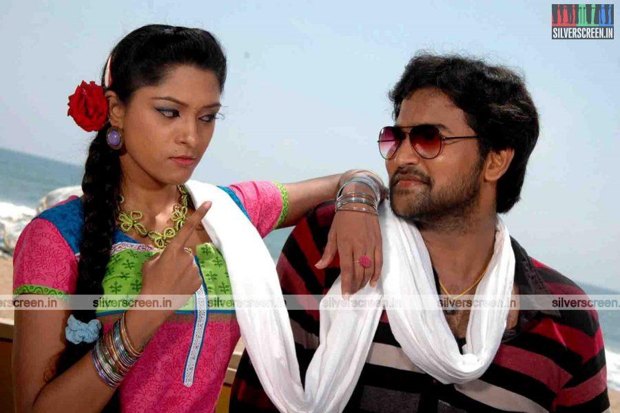 miss-pannidathinga-appuram-varuthapaduvinga-movie-stills-012.jpg