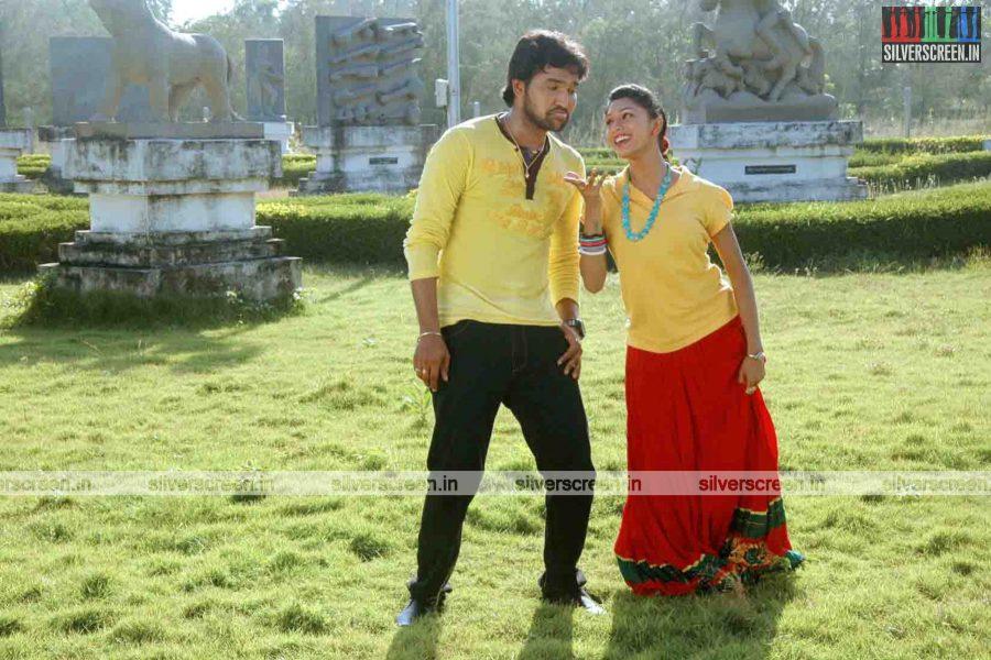 miss-pannidathinga-appuram-varuthapaduvinga-movie-stills-014.jpg