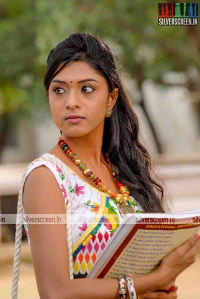 miss-pannidathinga-appuram-varuthapaduvinga-movie-stills-019.jpg