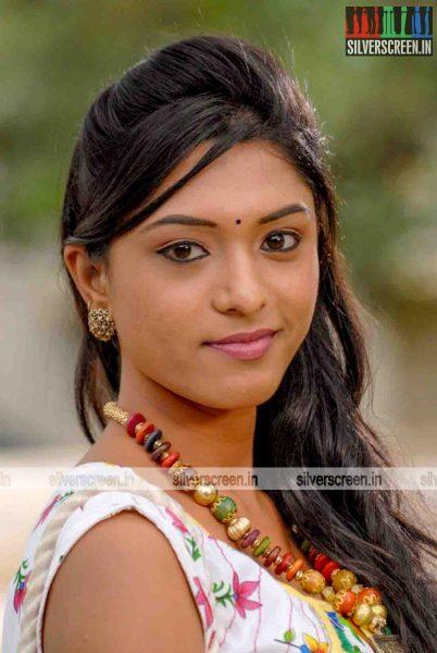 miss-pannidathinga-appuram-varuthapaduvinga-movie-stills-020.jpg