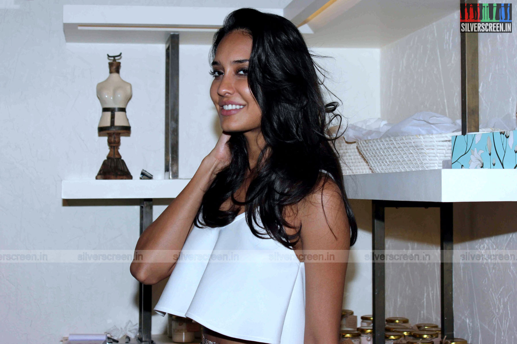 lisa haydon slams newspaper that called her out for