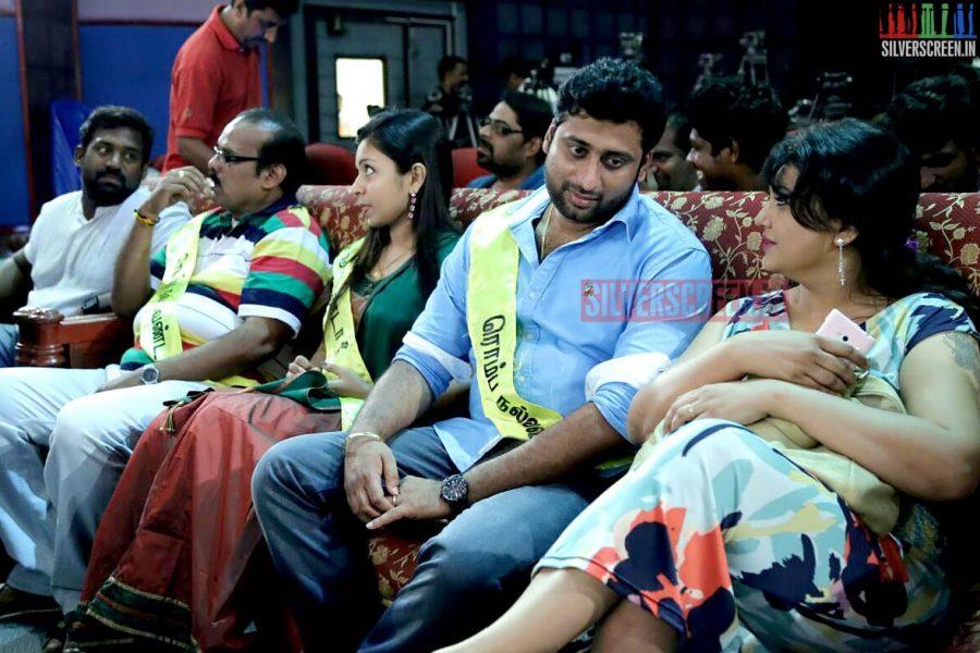 Actor Sarvajeeth at the Romba Nallavan Da Nee Press Meet Photos