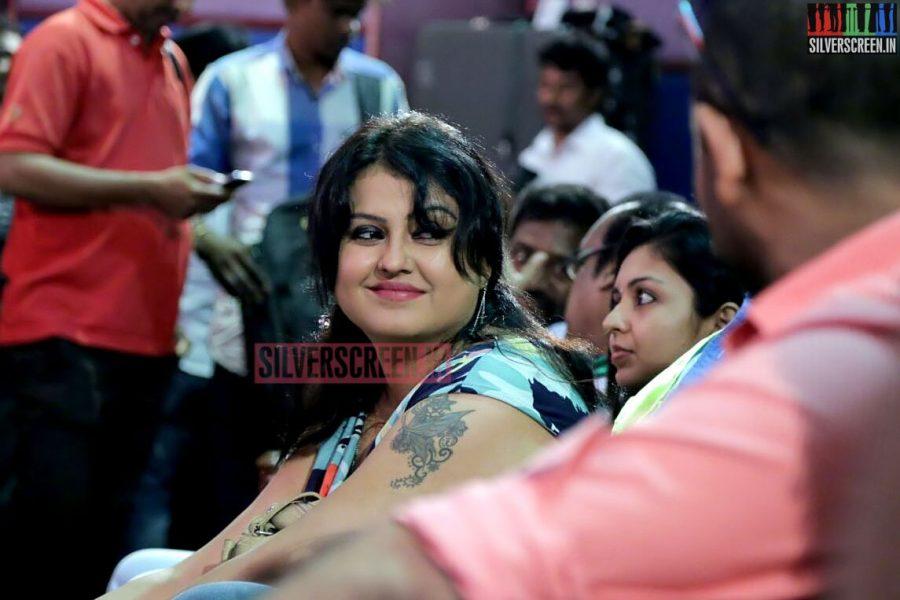 Actress Sona Heiden at the Romba Nallavan Da Nee Press Meet Photos