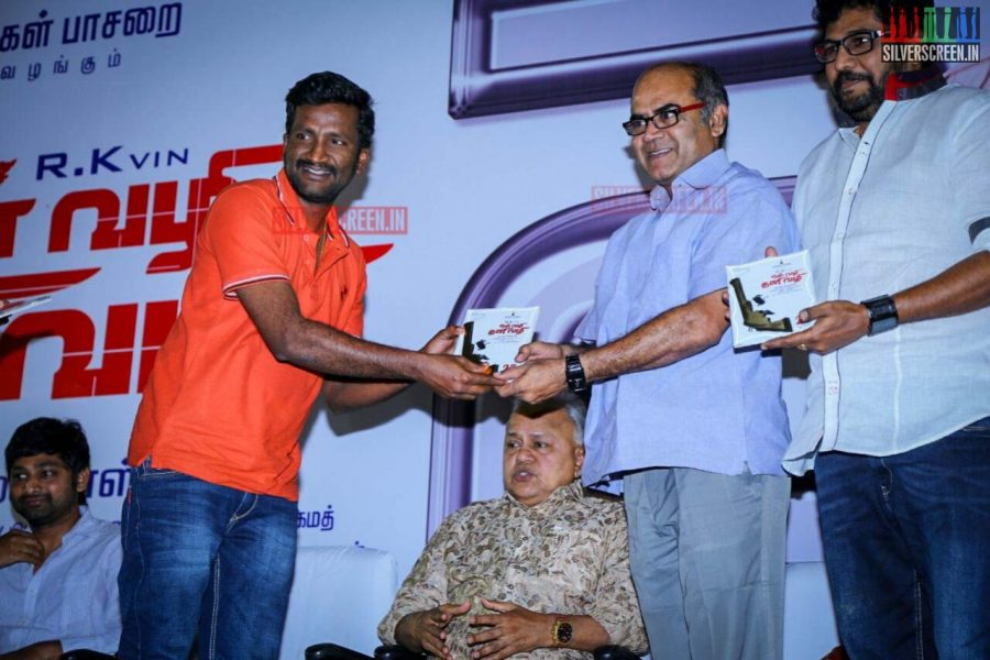 En Vazhi Thani Vazhi Success Meet Photos