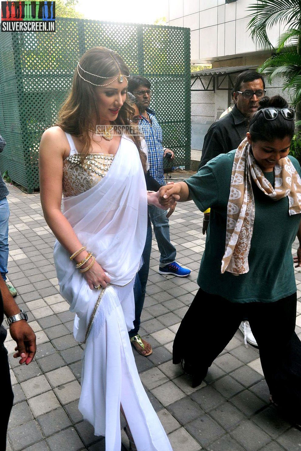 Lucy Pinder's Bollywood Movie – Warrior Savitri Launch ...
