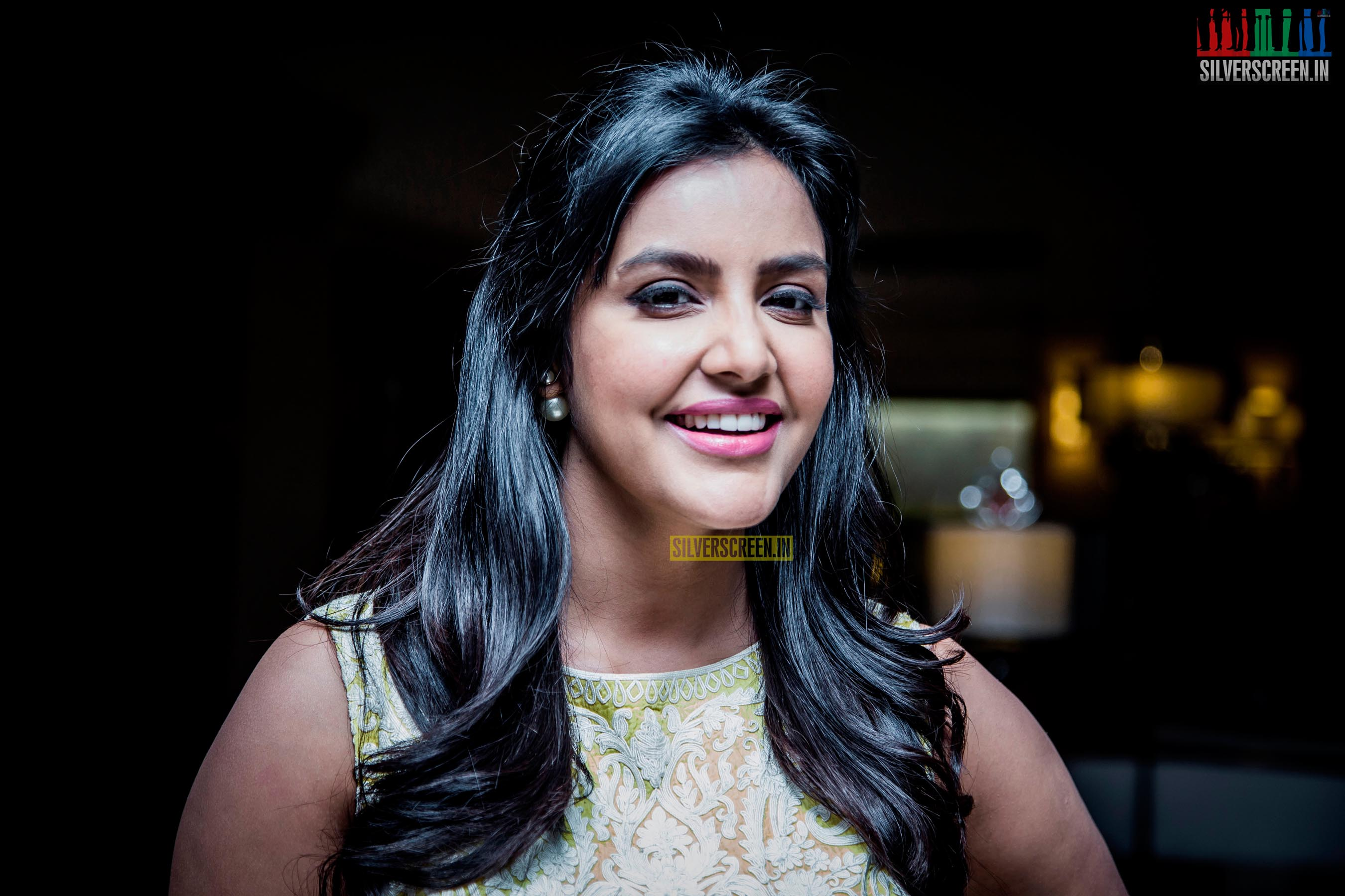 priya anand and taapsee hq photos from vai raja vai press meet