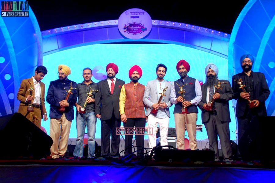 Surveen Chawla at Punjabi Icon Awards