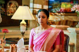 Jyothika in 36 Vayadhinile Movie Stills
