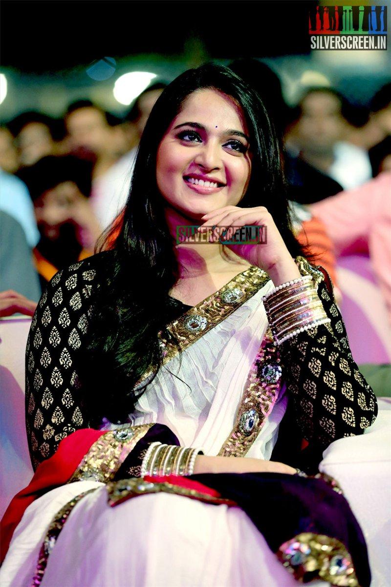Anushka Shetty at Baahubali Audio Launch Photos ...