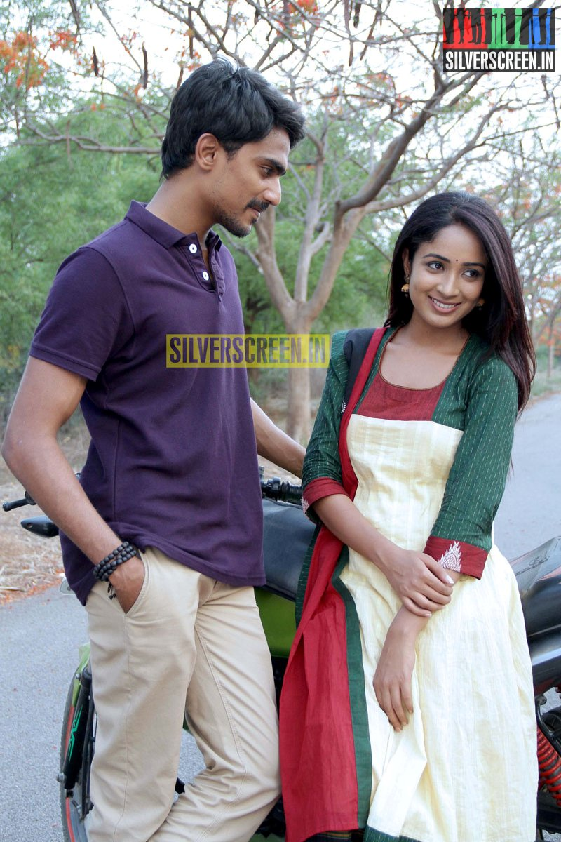 Moone Moonu Varthai Movie Stills Silverscreenin