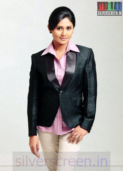 Actress Punnagai Poo Gheetha in Nee Yellam Nalla Varuvada Movie Stills