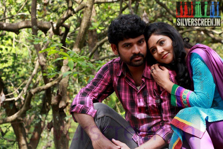Actor Vimal and Actress Punnagai Poo Gheetha in Nee Yellam Nalla Varuvada Movie Stills