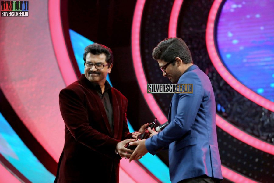 Allu Arjun and R Sarathkumar at the 62nd Filmfare Awards South Photos