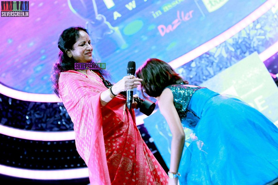 Vani Jairam and Uthra Unnikrishnan at the 62nd Filmfare Awards South Photos