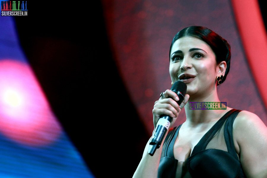 Shruti Haasan at the 62nd Filmfare Awards South Photos