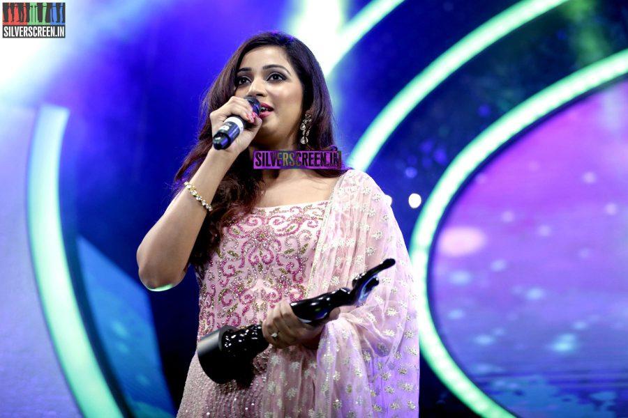 Shreya Ghoshal at the 62nd Filmfare Awards South Photos