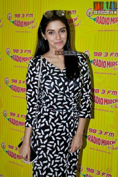Abhishek Bachchan And Asin Promotes All is Well