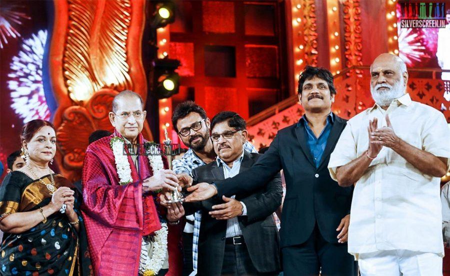 celebrities-at-cinemaa-awards-2015-photos-016.jpg