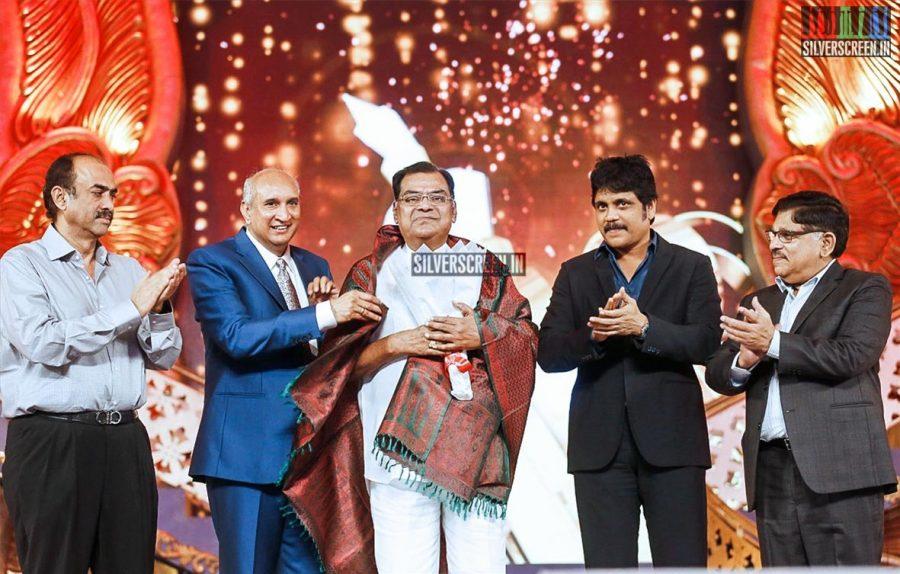 celebrities-at-cinemaa-awards-2015-photos-019.jpg