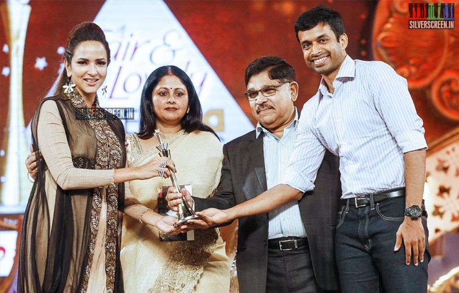 celebrities-at-cinemaa-awards-2015-photos-021.jpg