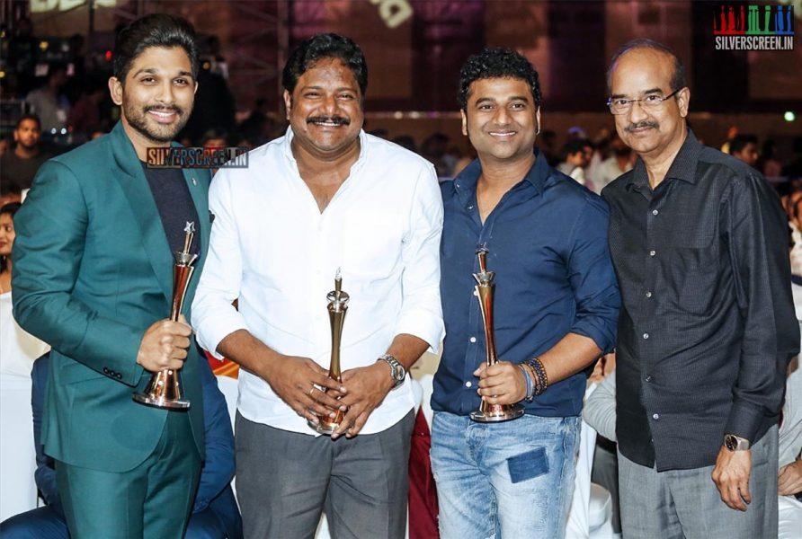 celebrities-at-cinemaa-awards-2015-photos-027.jpg