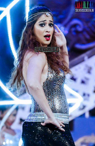 celebrities-at-cinemaa-awards-2015-photos-042.jpg