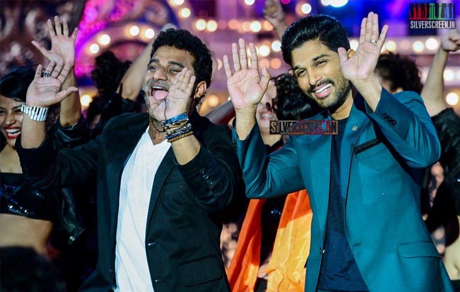 celebrities-at-cinemaa-awards-2015-photos-054.jpg
