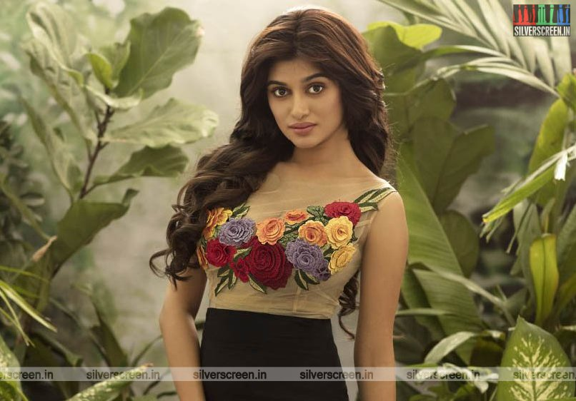 Oviya Photoshoot Stills