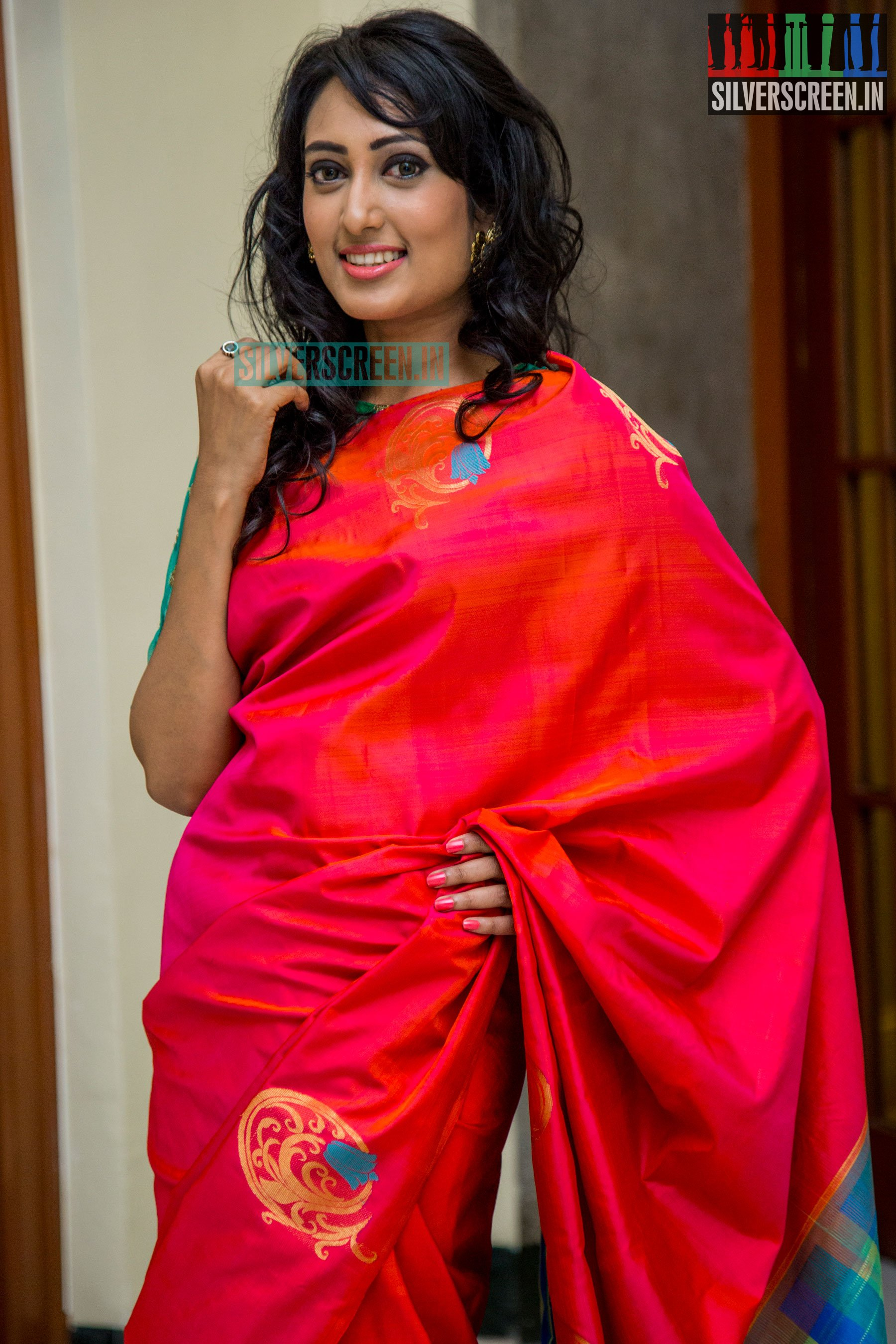 Palam Silks Unveils Their Diwali Collections – Silverscreen in