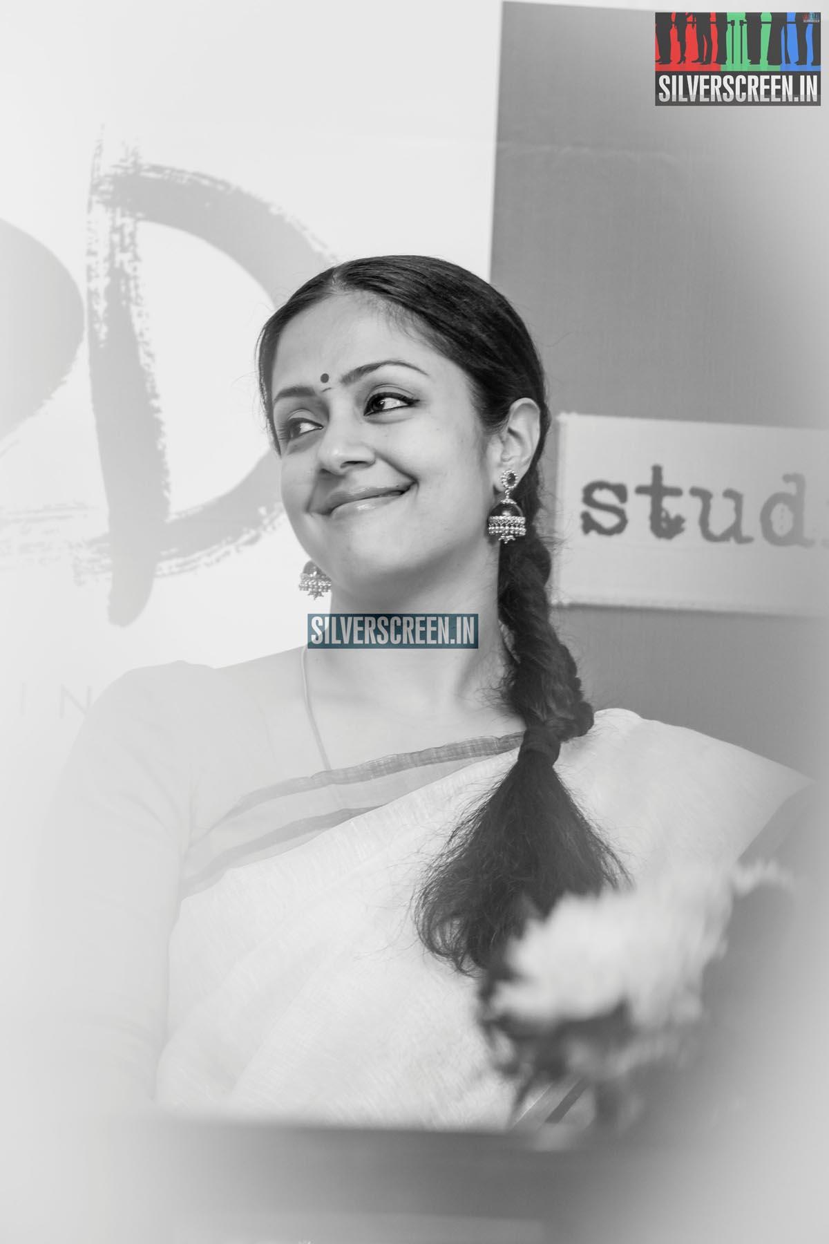 Actress Jyothika HQ Photos from 36 Vayadhinile Success Meet