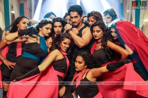 Siddharth in Aranmanai 2 Movie Stills