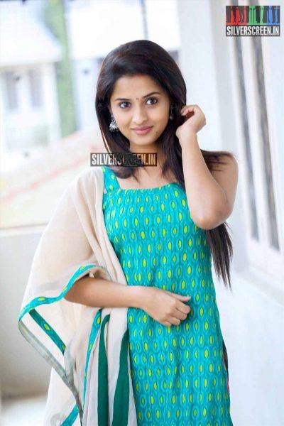 Arthana Binu At Seethamma Andalu Ramayya Sitralu Promotions