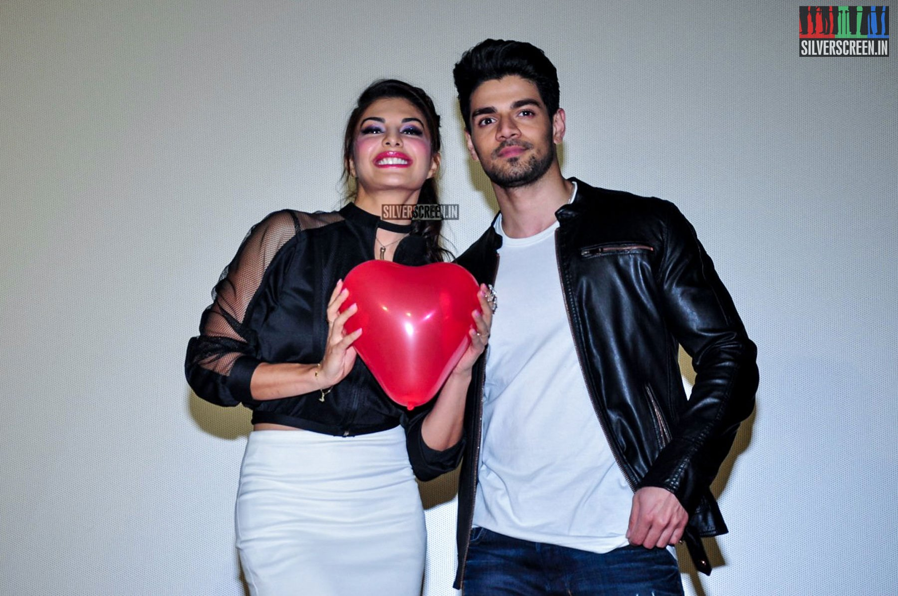jacqueline fernandez and sooraj pancholi at gfbf video song launch