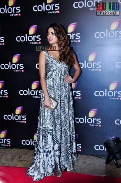 celebrities-at-the-colors-tv-red-carpet-2016-photos-0008.jpg