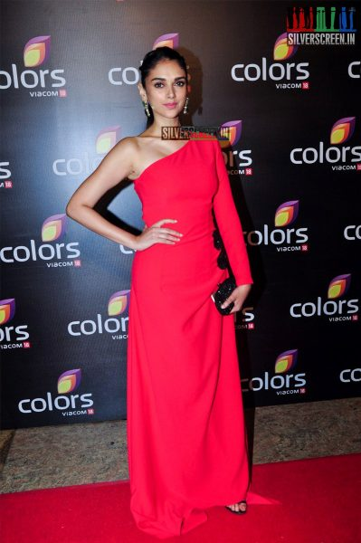 celebrities-at-the-colors-tv-red-carpet-2016-photos-0014.jpg