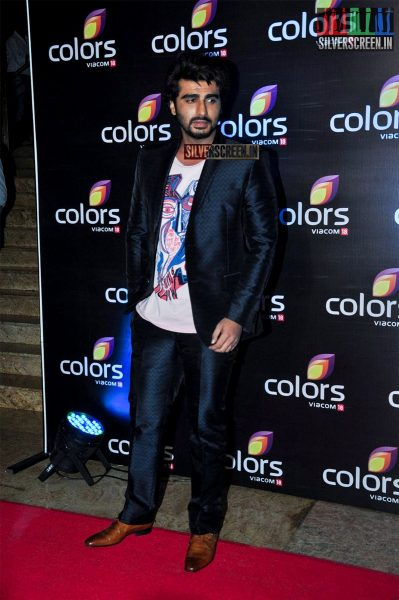 celebrities-at-the-colors-tv-red-carpet-2016-photos-0015.jpg