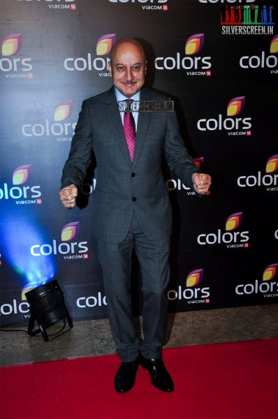 celebrities-at-the-colors-tv-red-carpet-2016-photos-0021.jpg