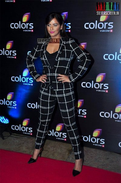 celebrities-at-the-colors-tv-red-carpet-2016-photos-0028.jpg