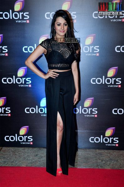 celebrities-at-the-colors-tv-red-carpet-2016-photos-0032.jpg
