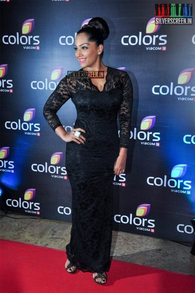 celebrities-at-the-colors-tv-red-carpet-2016-photos-0034.jpg