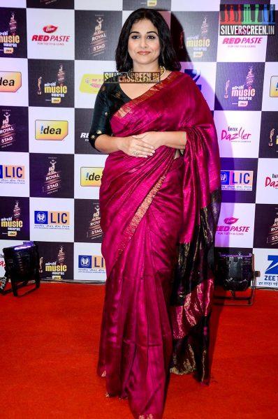 celebrities-at-the-radio-mirchi-awards-red-carpet-photos-0032.jpg