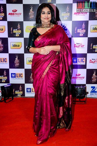 celebrities-at-the-radio-mirchi-awards-red-carpet-photos-0034.jpg
