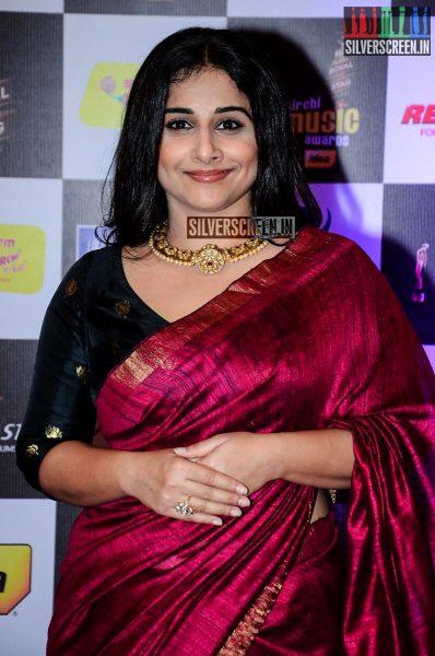 celebrities-at-the-radio-mirchi-awards-red-carpet-photos-0036.jpg
