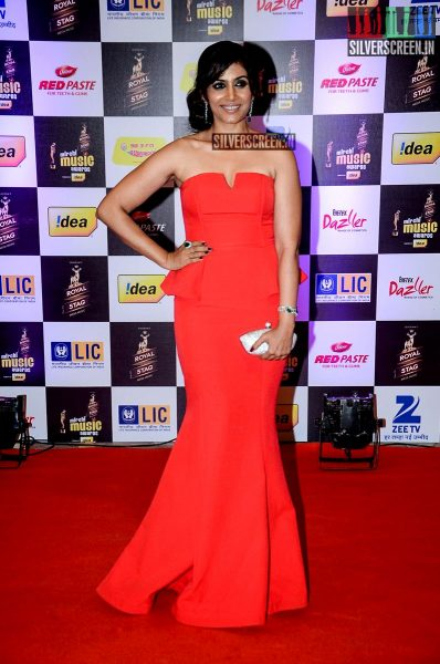 celebrities-at-the-radio-mirchi-awards-red-carpet-photos-0050.jpg