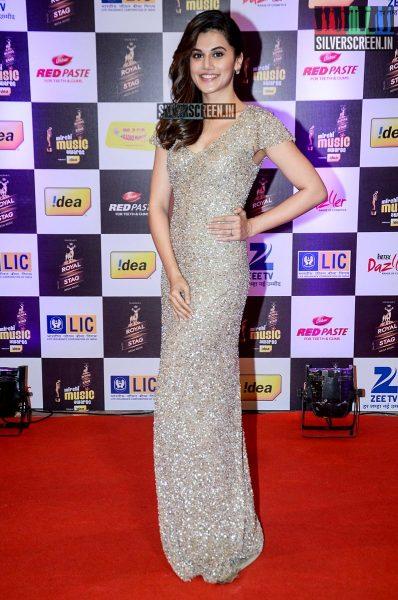 celebrities-at-the-radio-mirchi-awards-red-carpet-photos-0062.jpg