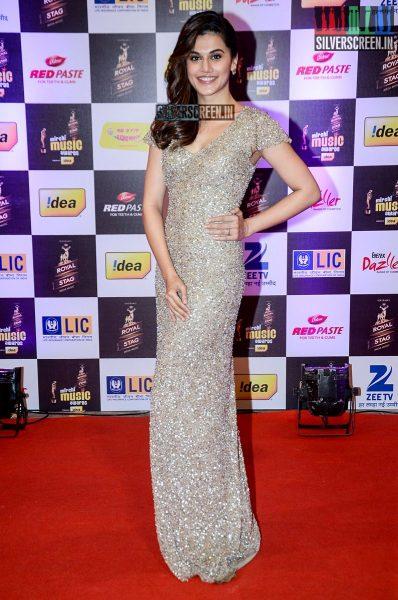 celebrities-at-the-radio-mirchi-awards-red-carpet-photos-0063.jpg