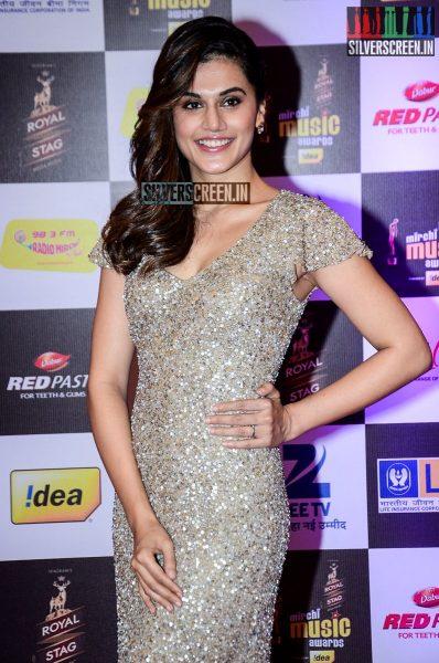 celebrities-at-the-radio-mirchi-awards-red-carpet-photos-0064.jpg