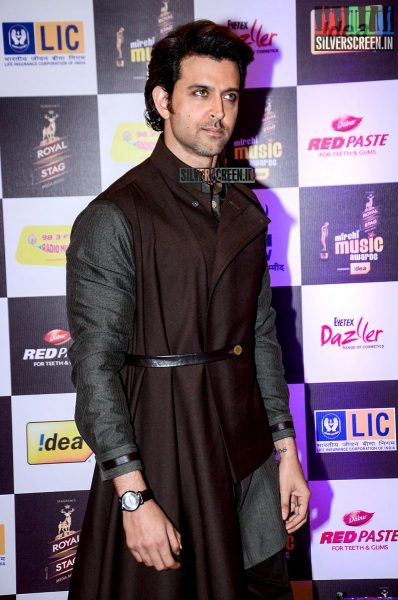 celebrities-at-the-radio-mirchi-awards-red-carpet-photos-0072.jpg