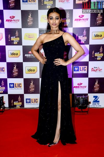 celebrities-at-the-radio-mirchi-awards-red-carpet-photos-0074.jpg