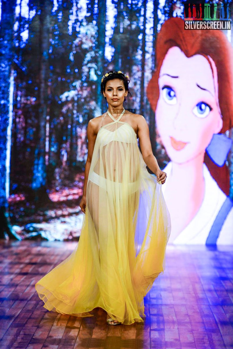3337edc8b0 Amyra Dastur Walks at India Beach Fashion Week Day 2 – Silverscreen.in